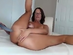 Anal fun with toys and big booty double penetration
