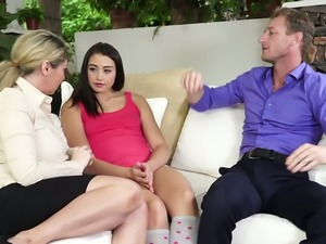 Hilarious talkative hottie Kiki Daire gonna enjoy sensual MFF threesome