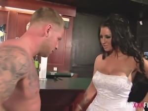 Whorable bride Brooklyn Blue leaves her groom and rushes to fuck in the pub