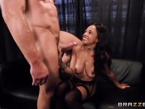 Blindfolded Anya Ivy seduced by a hunk for a formidable fuck