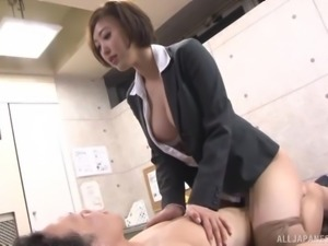 Sexy Japanese co-worker is ok with having an affair at work