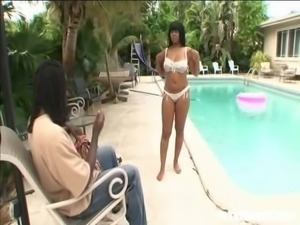 Darlin Nikki treats her lover with hot ball licking by the pool