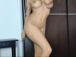 amateur neekaspankx flashing boobs on live webcam