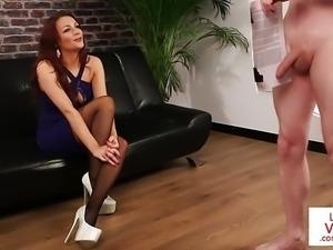 Glamorous british voyeur instructs sub to tug