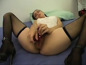 Mature brunette bitch toying hairy wet pussy