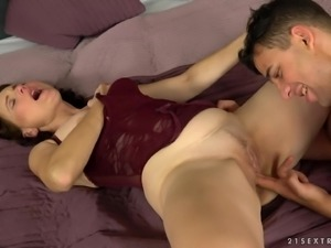 Alice Sharp is a skillful woman yearning to be penetrated