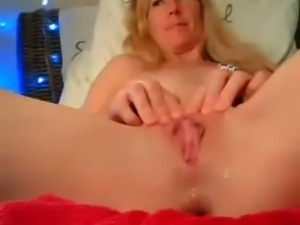 French lonely webcam blonde MILF exposes her masturbation skills