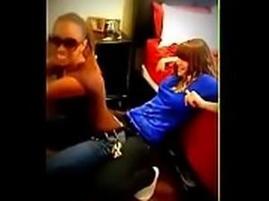 Lapdance lesbian