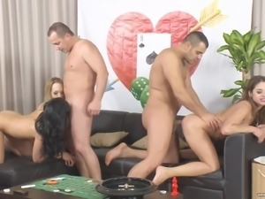 Bethina Dilapri joins horny friends for a great sex orgy
