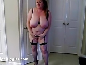 Mature housewife with big tits loves an ice pop