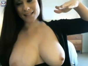 babe candy i flashing boobs on live webcam