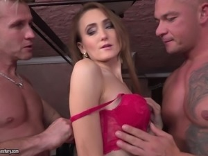 Slim chick Kira Parvati penetrated by a couple of lovers