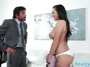 Bigbooty stepdaughter sucks fat cock