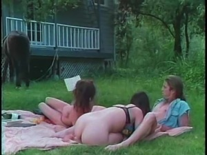 Hairy chicks having vintage outdoors threesome sex in the backyard