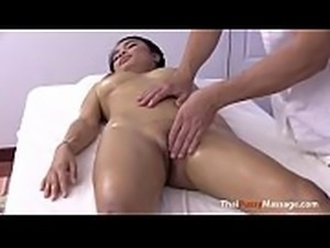 Big Titty Oil and Pussy Massage, Free HD Porn 5br