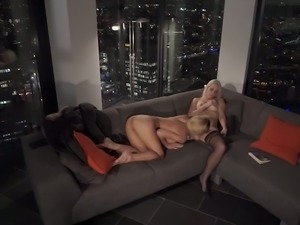Mesmerizing lesbian intercourse with gorgeous blonde babe Chelsey Lanette