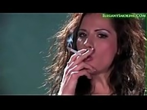 Hottie Billies Smoking 120s With Seductive Open Mouth Inhales