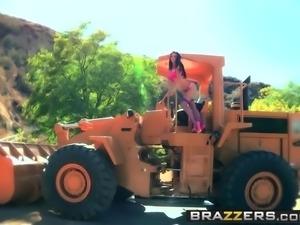 Brazzers - Big Wet Butts - Ass Under Construction scene star