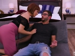 Amazing sexy housewife Krissy Lynn ends up quarrel with a nice blowjob
