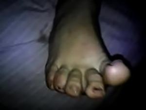 Quickly wife pretty footjob cum on feet.