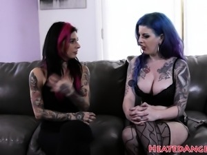 Busty emo babe in stockings gets pounded