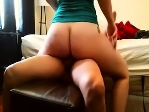 Lustful amateur babe with a fabulous ass rides her lover