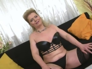 blonde mature gets herself off