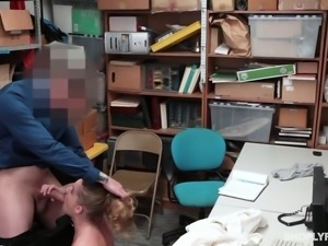 Fervent curly nympho Daisy Stone gives a good blowjob to the detective