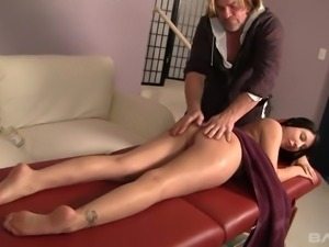 Messy haired masseur gets highly absorbed with fucking Esperanza Diaz