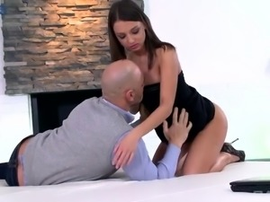 Perfect Russian girl Foxy Di is a real fan of proper anal pounding
