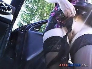 Car dick flasher gets lucky