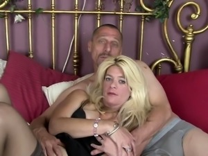 Lustful wife in stockings gets her cunt licked and drilled