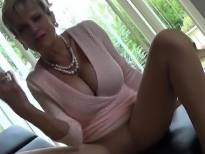 Unfaithful british mature gill ellis presents her heavy boob