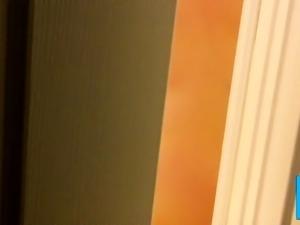 Unknowing Nude Mom Leaves Bathroom Door Cracked
