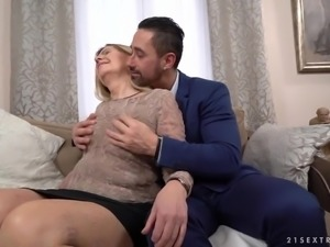 Wrinkled ugly mature slut Samantha gets her mature cunt fucked missionary