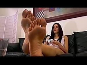 Raven Dirty Feet (HD)