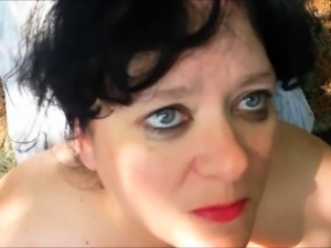 Curvy mature wife with great oral abilities gets facialized