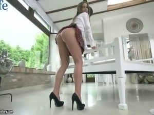 After flashing her booty super flexible nympho Alexis Crystal gets poked mish