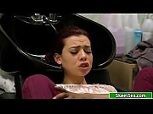 Ebony hairdresser licks customers pussy