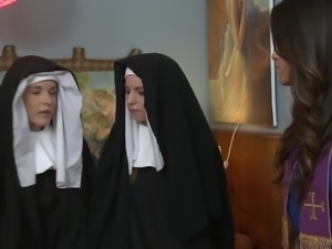 Horny nun Jenna Sativa is actually ready to get her wet pussy licked well