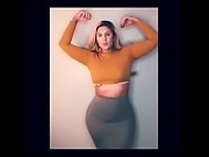 Sophie Eloise Curvy Model