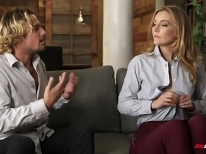 Ardent lady with smooth ass Mona Wales gets fucked till she squirts