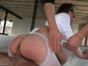 Raunchy brownhead skank is butt fucked brutally in hardcore MMF threesome
