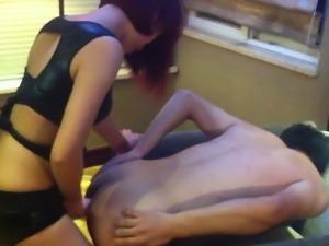 Chinese mistress spank&pegging