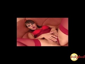 Beautyful juicy  pink slit of Filly expects wide open for