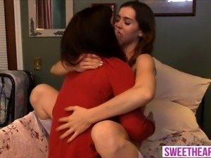 An experienced older lesbian with a hot teen chick