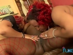 Amazing giant bottomed black lesbians take poses for better delight