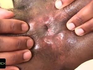 Shemale ebony babe wanks her fat dick