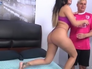 Nicely shaped dark haired lady in pink stuff uses vibe during missionary fuck