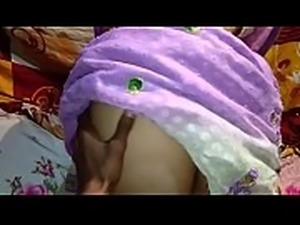 New desi Saree me chudai boyfriend  kissing
